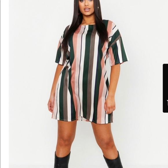 Boohoo Dresses & Skirts - Boohoo Striped Sheathe Dress